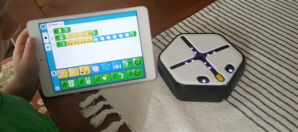 introducing-root-3d-printed-robot-that-will-teach-kids-coding-2.jpg